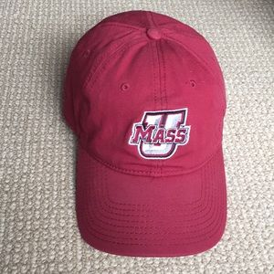 U Mass baseball cap. One size. Maroon.